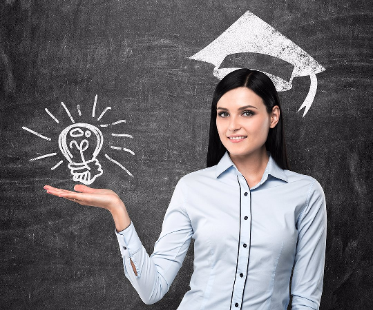Descubre los beneficios de estudiar un postgrado portada